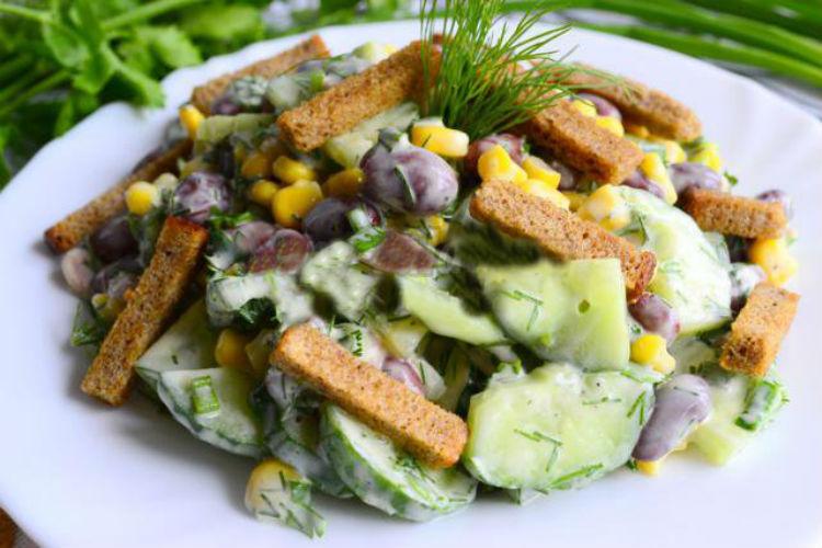 быстрый салат из фасоли консервированной