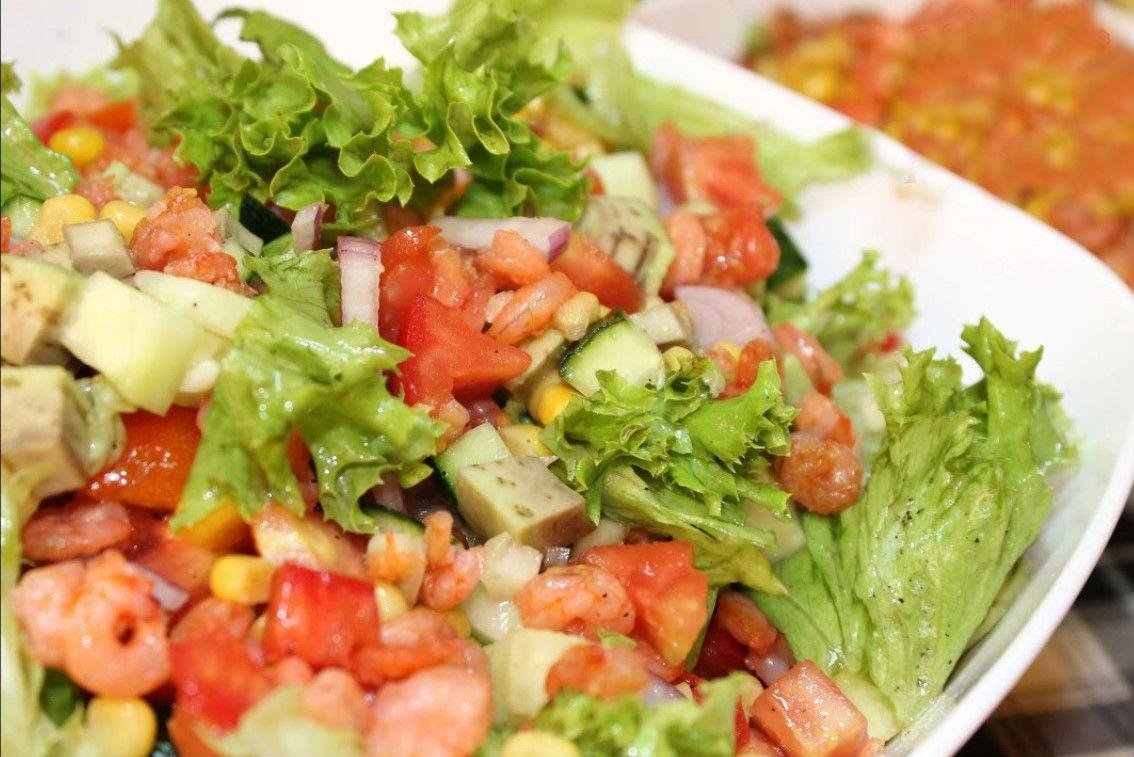 Какой салат можно сделать из кукурузы